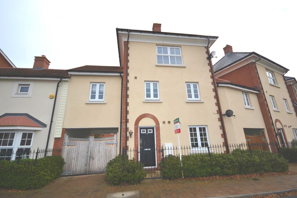 4 Bed Unfurnished Town House Let In Colchester Beresfords