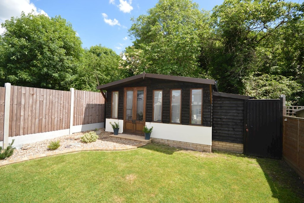 Bed House For Sale Hornchurch