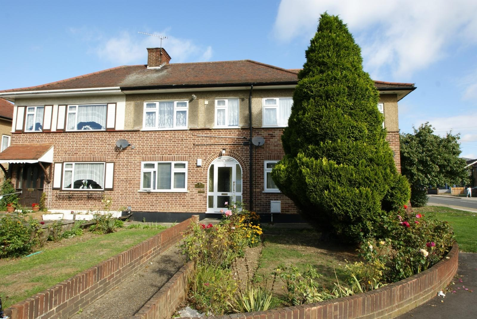 1 Bed Flat Let In Collier Row Beresfords