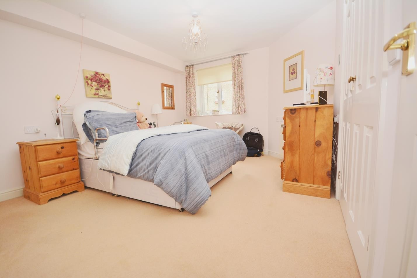 2 Bed Flat For Sale In Braintree