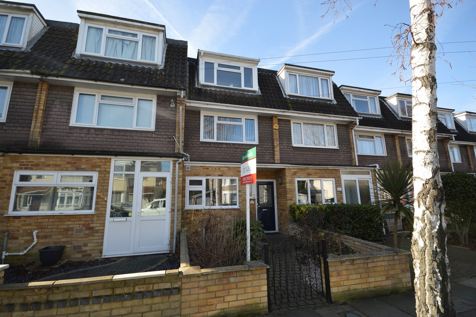 4 Bed Town House Sold In Romford Beresfords